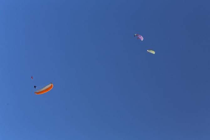 Yamaç paraşütçüleri Cumhuriyet uçuşu yaptılar