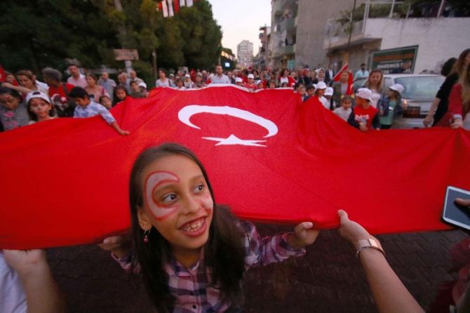 İzmir'in ilçelerinde 29 Ekim coşkusu