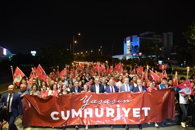 """Konyaaltı'nda """"Cumhuriyet Yürüyüşü"""" coşkusu"""