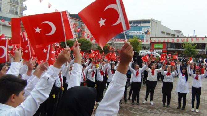 Erciş'te Cumhuriyet Bayramı coşkusu