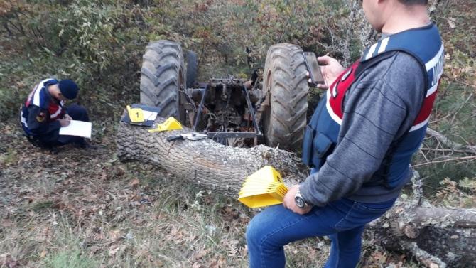 Kütahya'da traktörün altında kalan sürücü öldü
