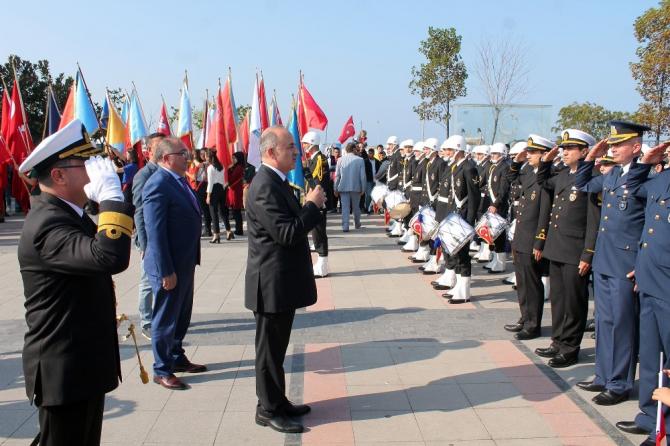 Cumhuriyet coşkusu Yalova'da meydanlara sığmadı