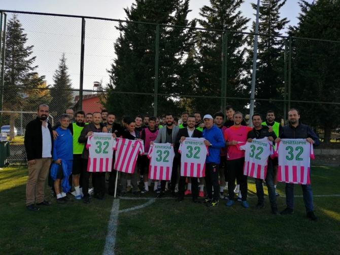 Isparta 32 Spor'a destek için 'Forma satın al' kampanyası