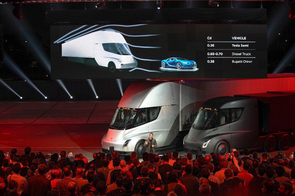 Tesla'nın pick-up modeli 21 Kasım'da geliyor!