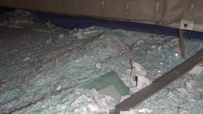 Kırıkkale'de cam yüklü tır devrildi: 1 yaralı