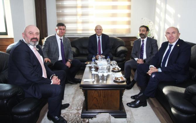 TBB Başkanı Metin Feyzioğlu, Başkan Pekmezci'yi ziyaret etti