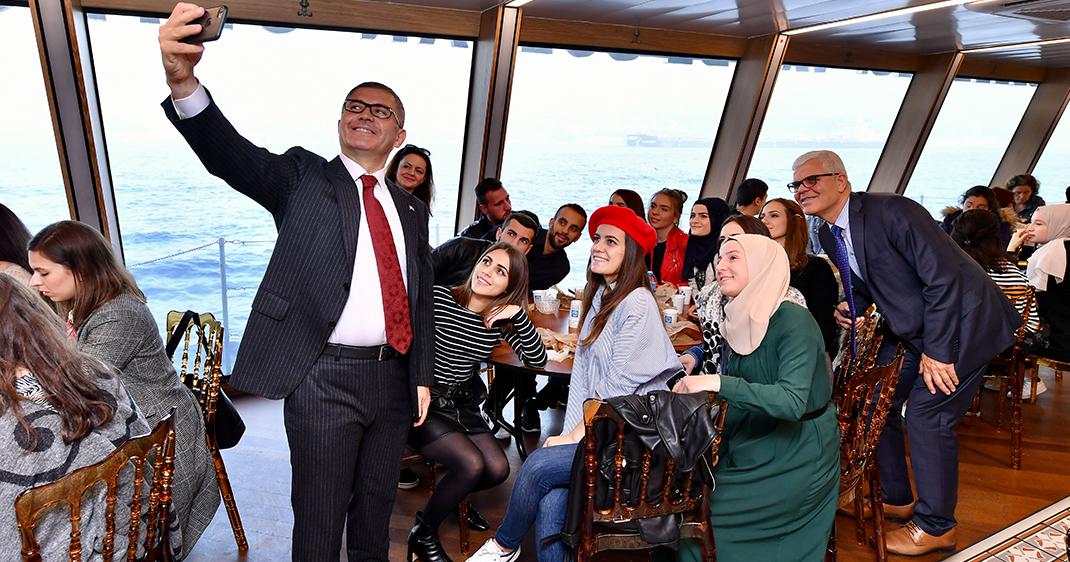 Valide Sultan Gemisi bu hafta da konuklarını ağırladı