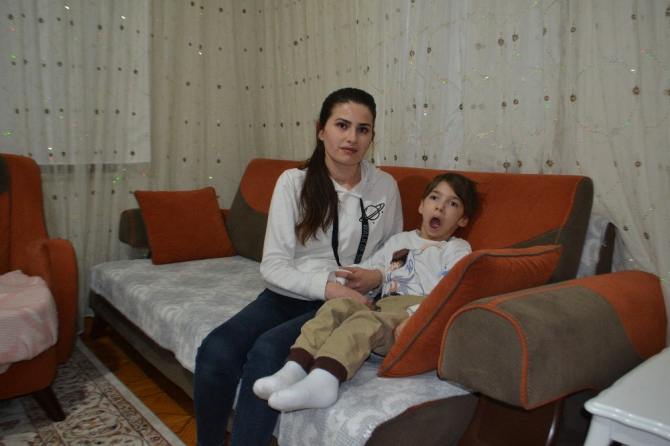Doğuştan serebral palsi hastası Yusuf yardım bekliyor