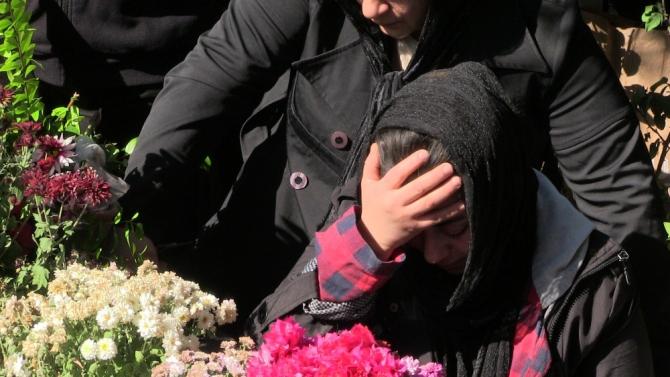 Dövülerek öldürülen kocasının yokluğuna dayanamadı