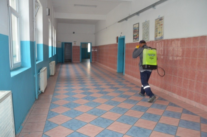 Kırıkkale'deki okul ve camiler temizleniyor