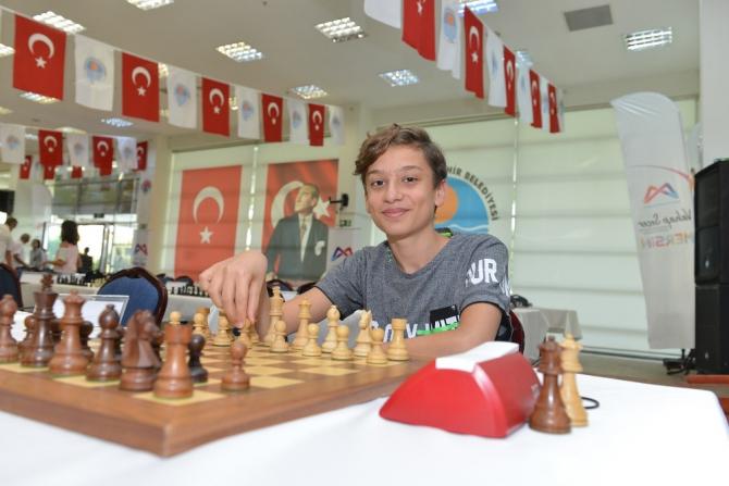 Uluslararası Satranç Turnuvası devam ediyor