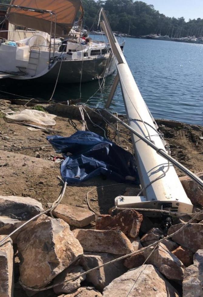 Fethiye'de yelkenli teknenin direğinin devrilmesi sonucu bir işçi öldü