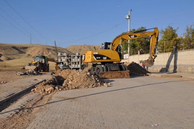 Cizre'de içme suyu hattında onarım çalışmaları sürüyor