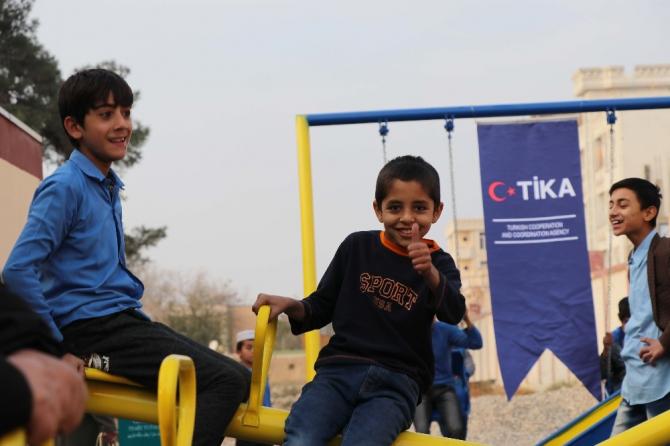 TİKA'dan Afganistanlı çocuklara oyun parkı