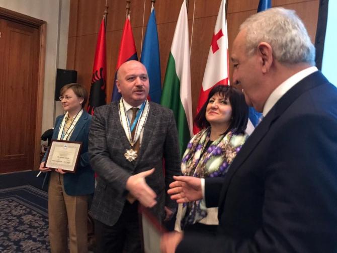Gündoğdu'ya KEİPA Onur Madalyası