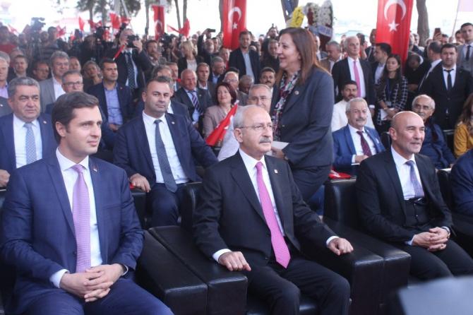 Kılıçdaroğlu İzmir'de kız öğrenci yurdu açılışına katıldı