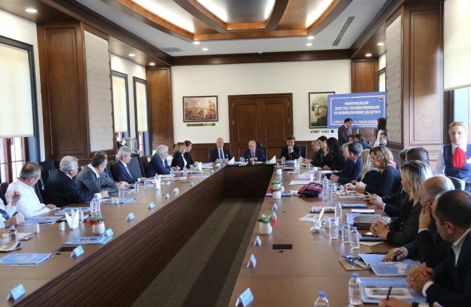 Başkan Akgün, mahalle muhtarları ile birlikte 2020 yılını planladı