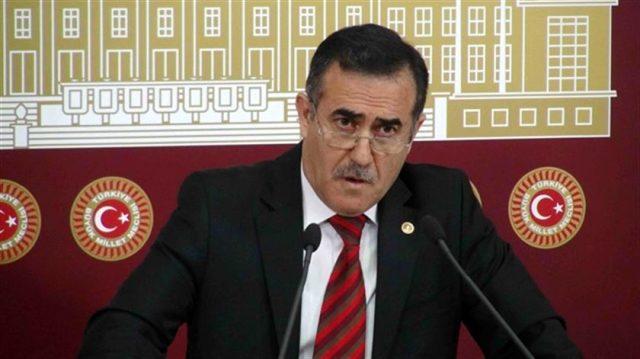 Ahmet Davutoğlu yeni partisinde ilk fireyi verdi!