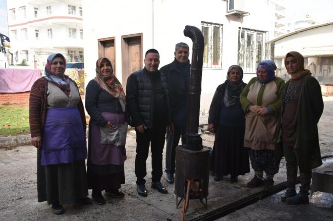 Başkan Beyoğlu'ndan kadın pazarcılara destek ziyareti