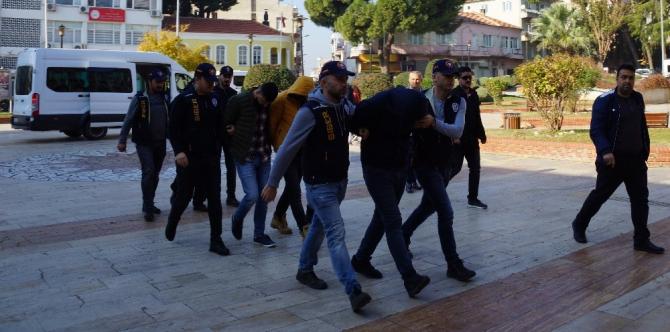 Polis otosunu kaçıran şüpheli ve diğer 3 şebeke üyesi tutuklandı