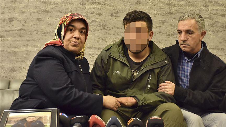 HDP önünde otruma eylemi yapan Hatice Ceylan 4 yıl sonunda oğlu Cafere kavuştu