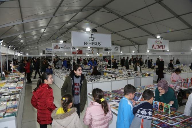 Atakum'da 'Kitap Günleri'ne yoğun ilgi