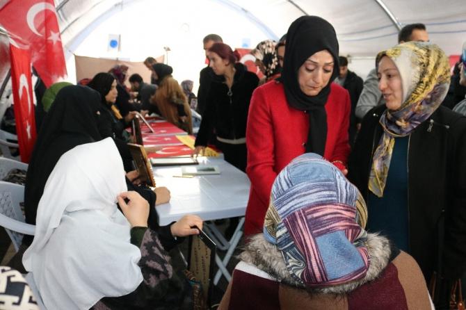 Bingöl KADEM üyelerinden HDP önündeki ailelere ziyaret