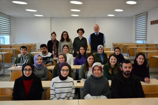 Düzce Üniversitesi öğrencileri iş hayatını hazırlıyor