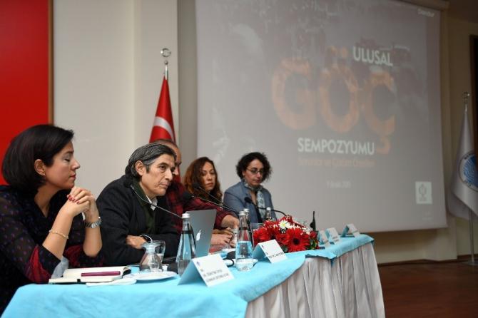 Mersin'de göçün oluşturduğu sorunlar ve çözüm önerileri konuşuldu