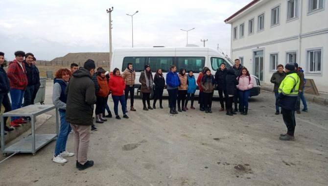 Öğrencilerden katı atık ve su arıtma tesisine ziyaret