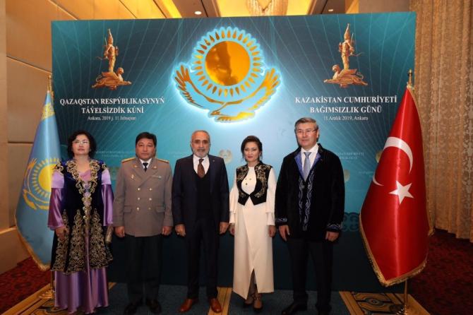 Topçu, Kazakistan'ın bağımsızlık günü resepsiyonuna katıldı
