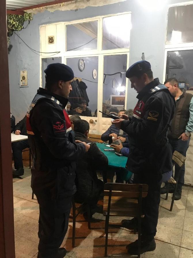 İzmir'de jandarmadan huzur operasyonu: 15 kişi yakalandı