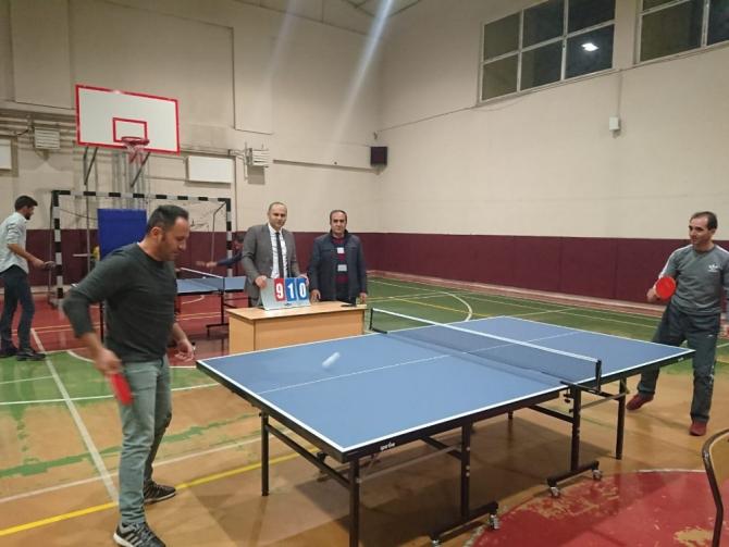 Varto'da Öğretmenler Arası Masa Tenisi Turnuvası
