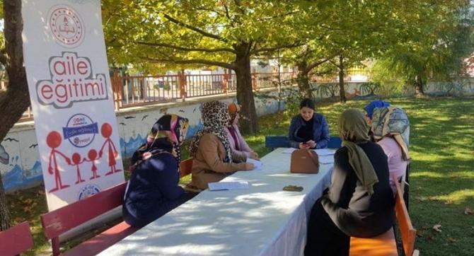 """Erzincan'da """"Çocuk bu ihmale gelmez"""" semineri"""