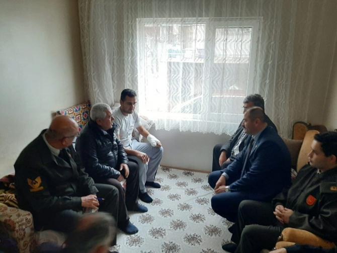 Orhaneli protokolünden Gazi Yavuz'a geçmiş olsun ziyareti