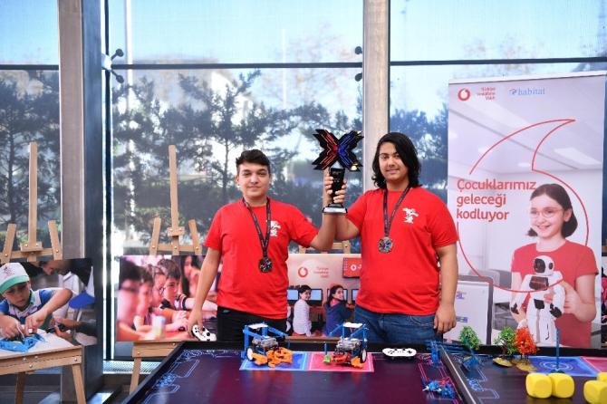 'Yarını Kodlayanlar' projesi katılımcıları dünya şampiyonu oldu