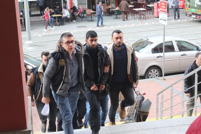 Sınırda yakalanan 3 DEAŞ'lı tutuklandı