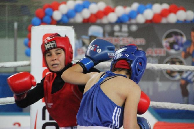 Erzurum'da boks heyecanı