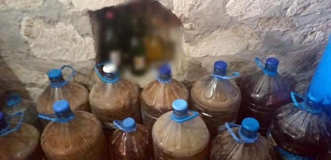 İzmir'de yılbaşı öncesi kaçak şarap operasyonu