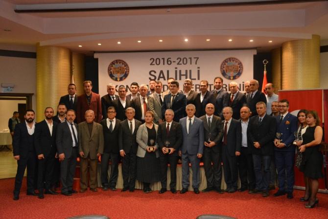 Salihli'nin rekortmen iş adamları plaketle onurlandırıldı