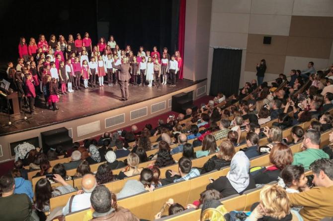 Nilüfer Çocuk Korosu'ndan yeni yıl konseri