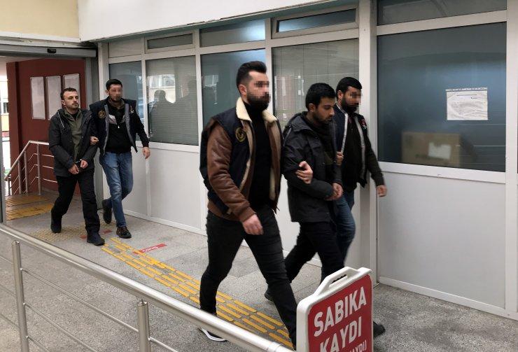 GÜNCELLEME 2 - Sınırı geçmek üzereyken yakalanan 3 DEAŞ şüphelisi tutuklandı