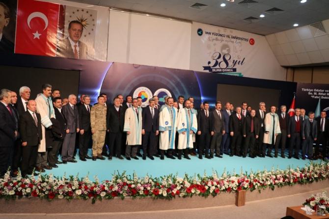 TOBB Başkanı Hisarcıklıoğlu'na fahri doktora unvanı