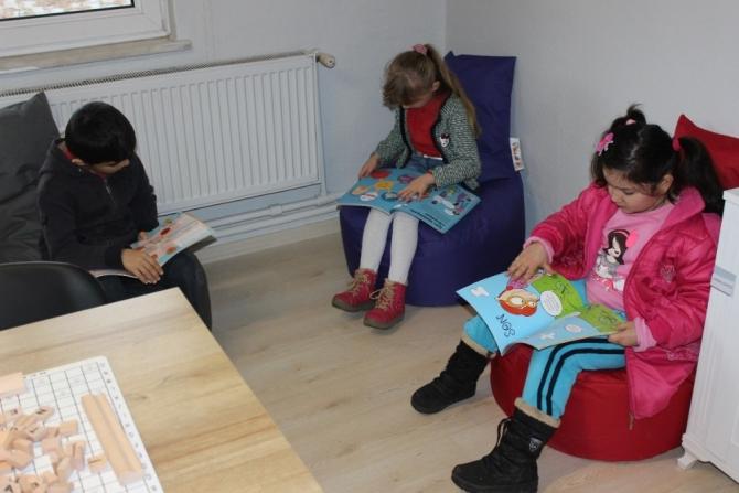 Ayça Yazıcıoğlu Güzelyaka İlkokulu'nda Z-kütüphane açılışı yapıldı