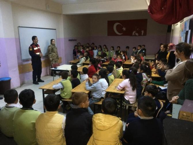 Öğrenciler jandarma teşkilatını tanıyor