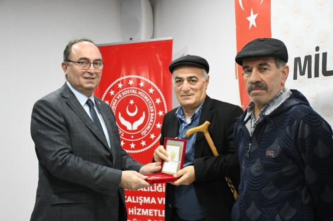 Kıbrıs Barış Harekatı'na katılan 28 gaziye madalya verildi