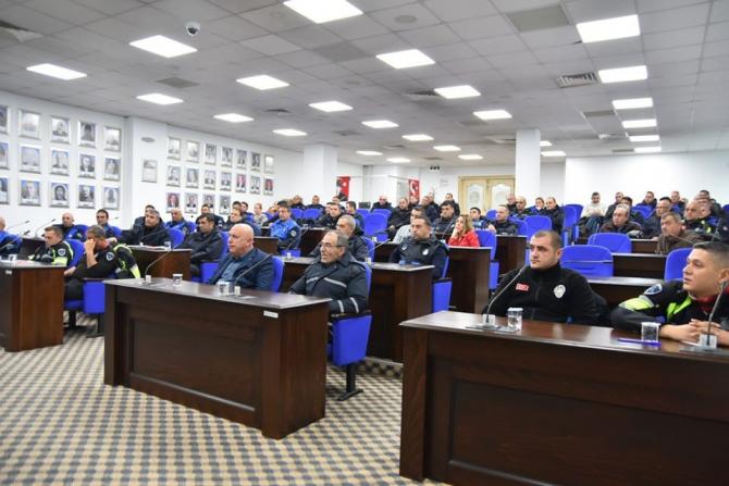 Edremit Belediyesi'nden zabıtalara hizmet içi eğitim