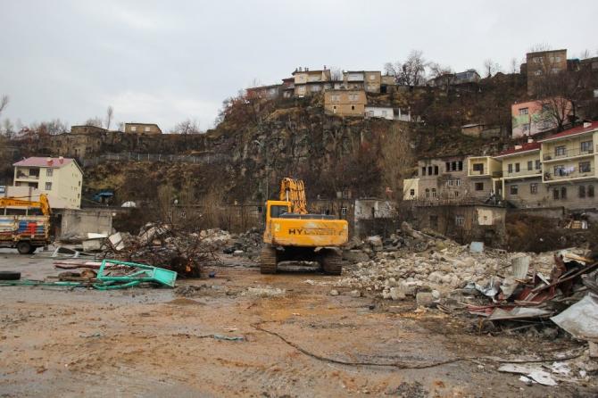 Bitlis Belediyesinden yıkım çalışması