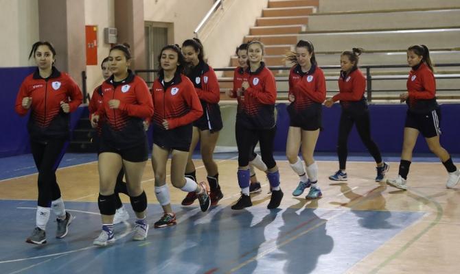 Pamukkale Belediyesi voleybol takımında hedef üst lig