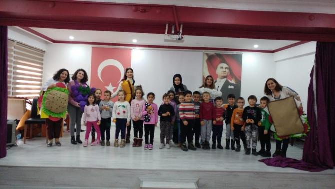 Düzce Üniversitesi ilkokullara destek vermeye devam ediyor
